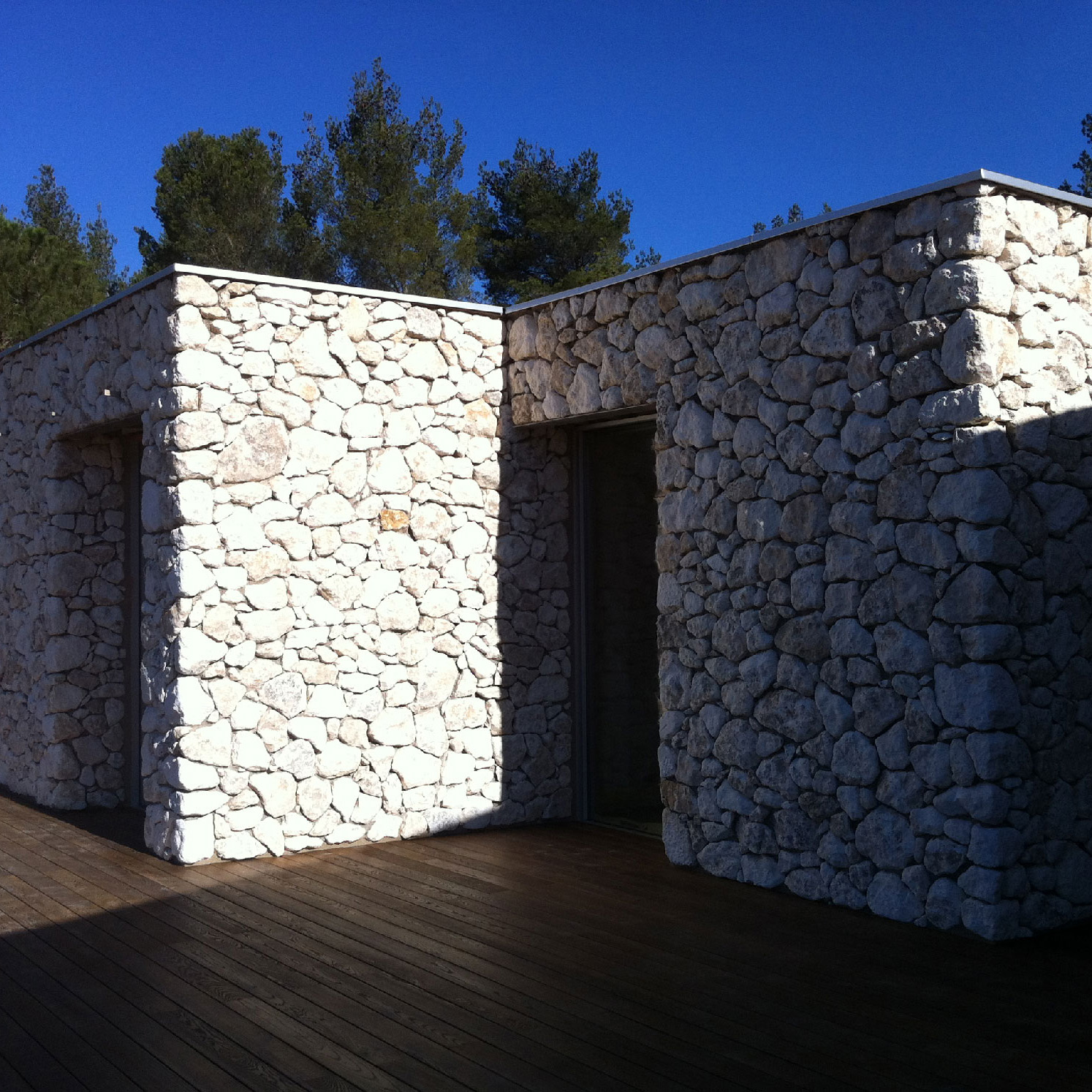 Construction maison neuve contemporaine en Provence / Alpilles