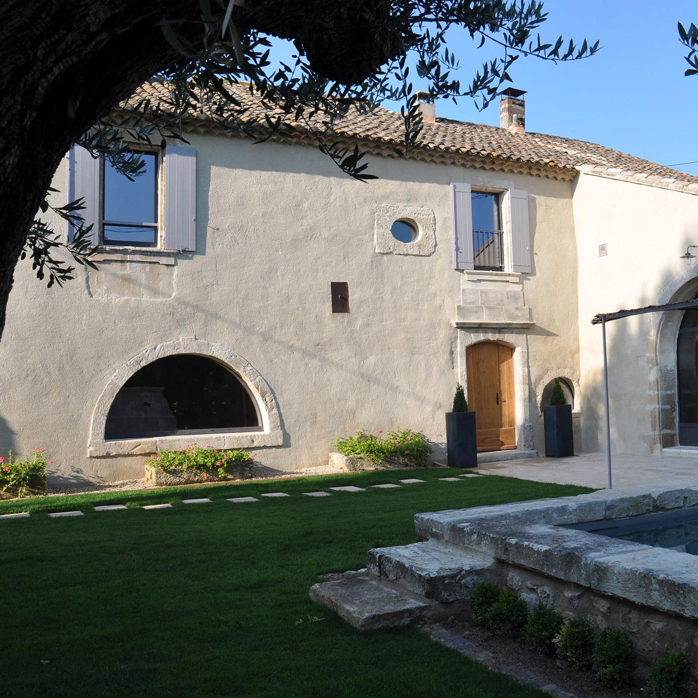 Rénovation mas provençal dans les Alpilles et en Provence