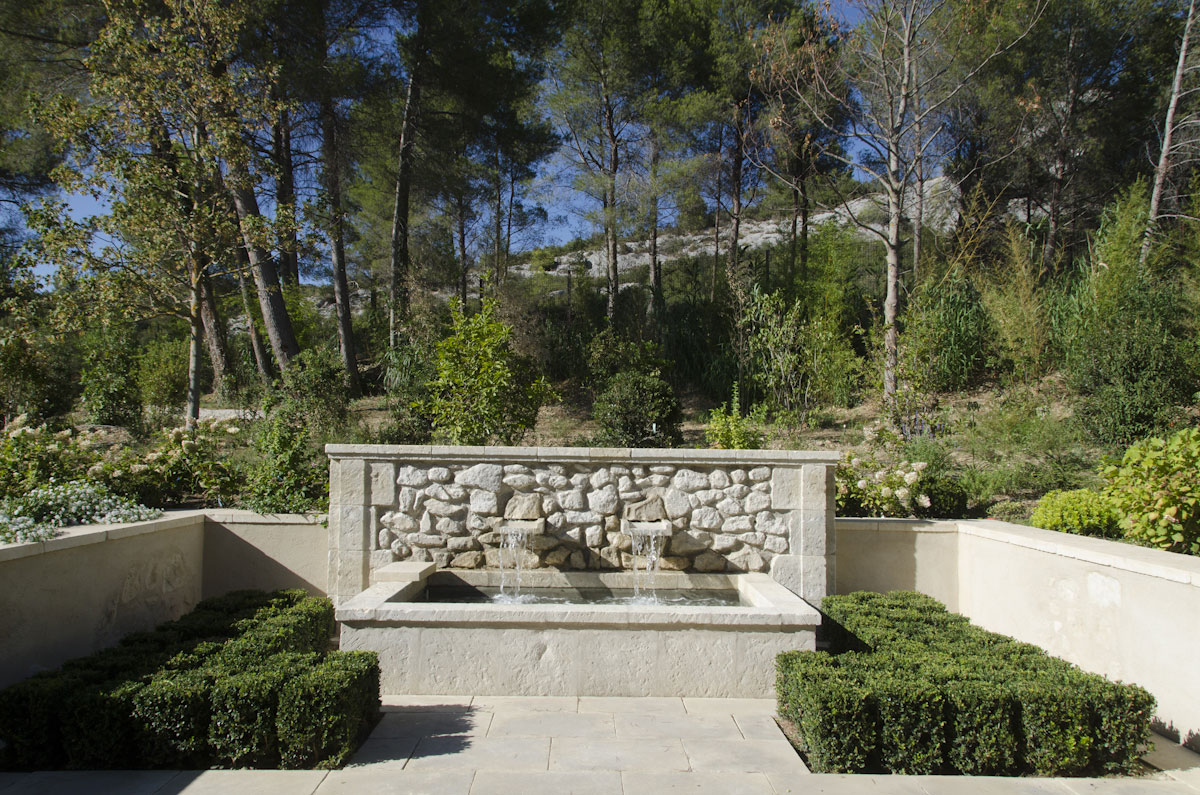Fontaine en pierres de taille